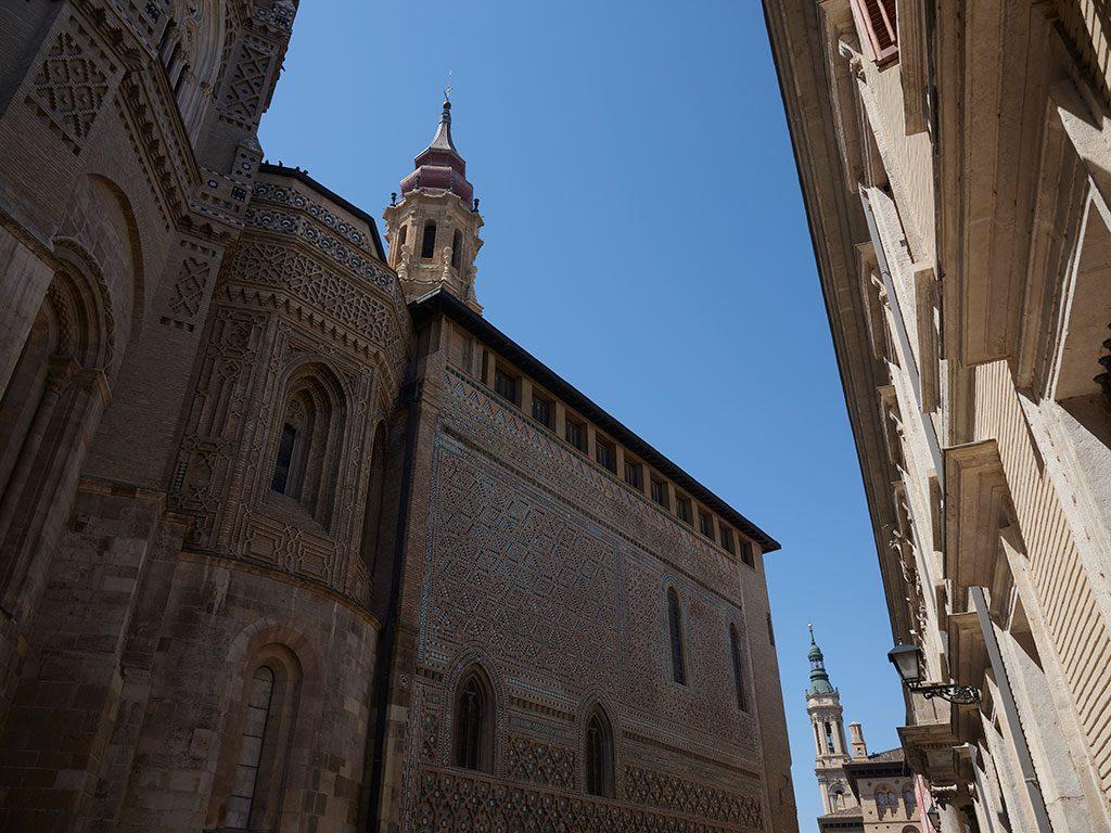 Exterior de la Catedral de Zaragoza, La Seo.