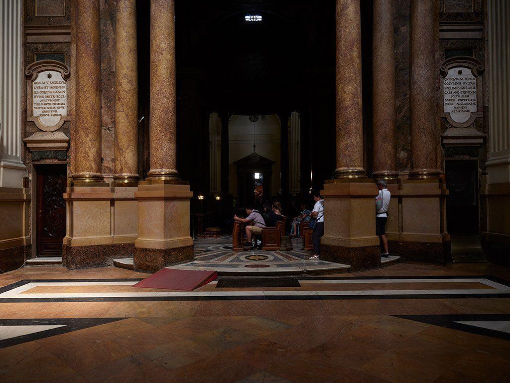 Interior de la Basílica de El Pilar en Zaragoza