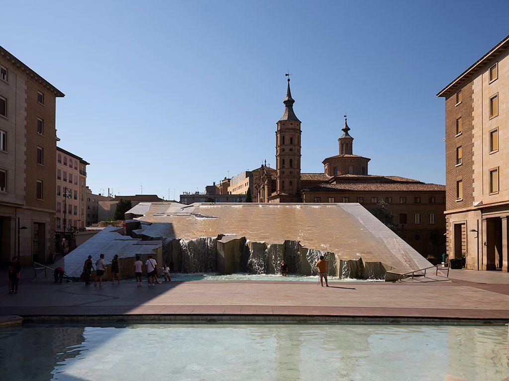 Plaza de la Basílica del El Pilar en Zaragoza