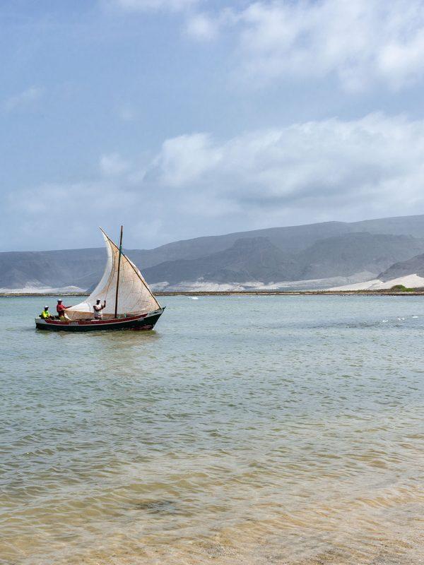 Barco de pescadores de Bahía das Gatas