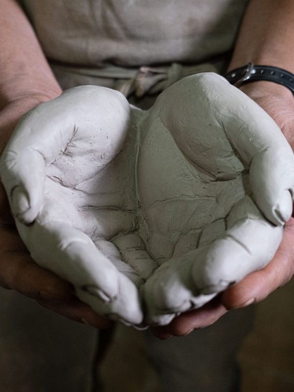 manos de cerámica de Gonzalo Martin