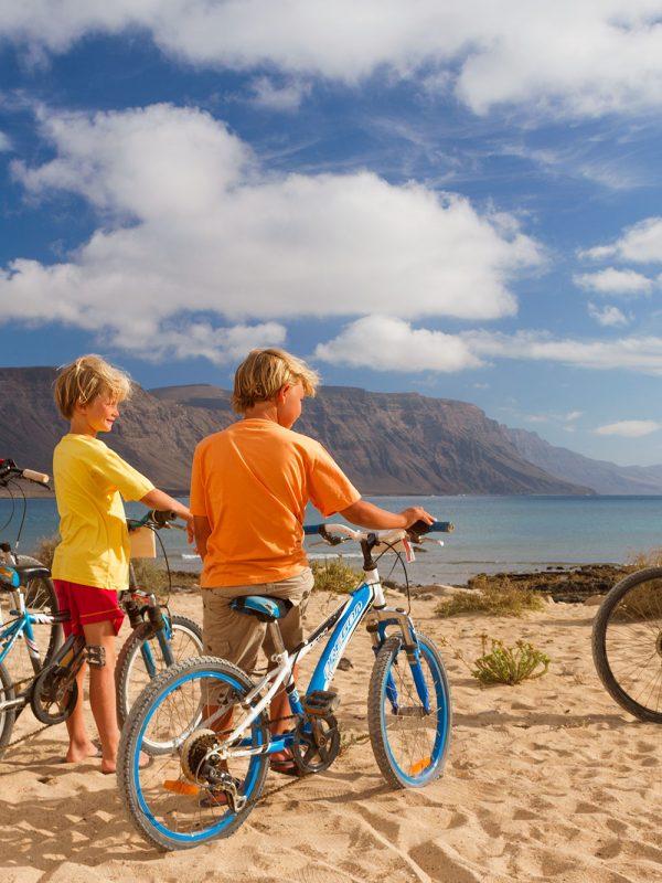 Padres viajeros con niños
